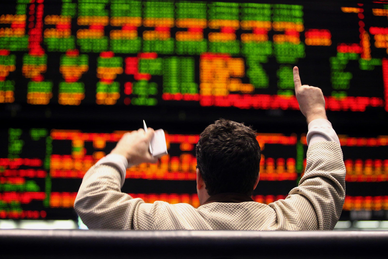 US Treasury yields tick higher as traders monitor US-China trade talks