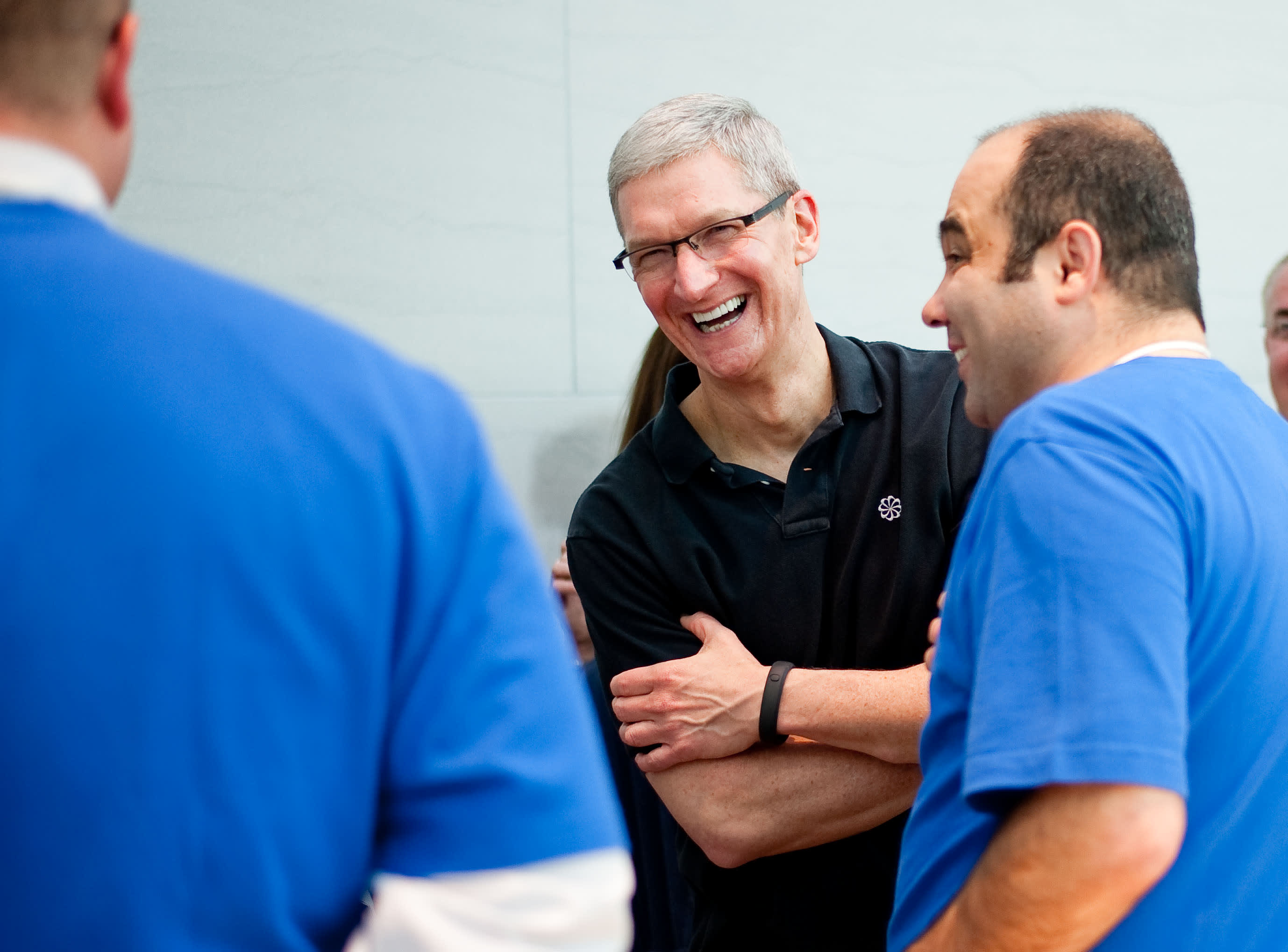 GS: Tim Cook Apple CEO Palo Alto Apple employees