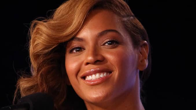 Apple Says Beyonce Obliterates Download Record With New Album Apple