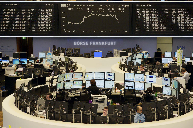 European stocks close lower amid mixed signal on U.S.-China trade