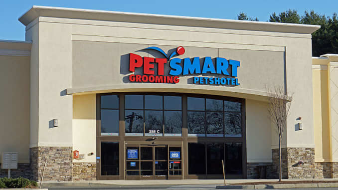 PetSmart to drop Chinese-made treats by next year