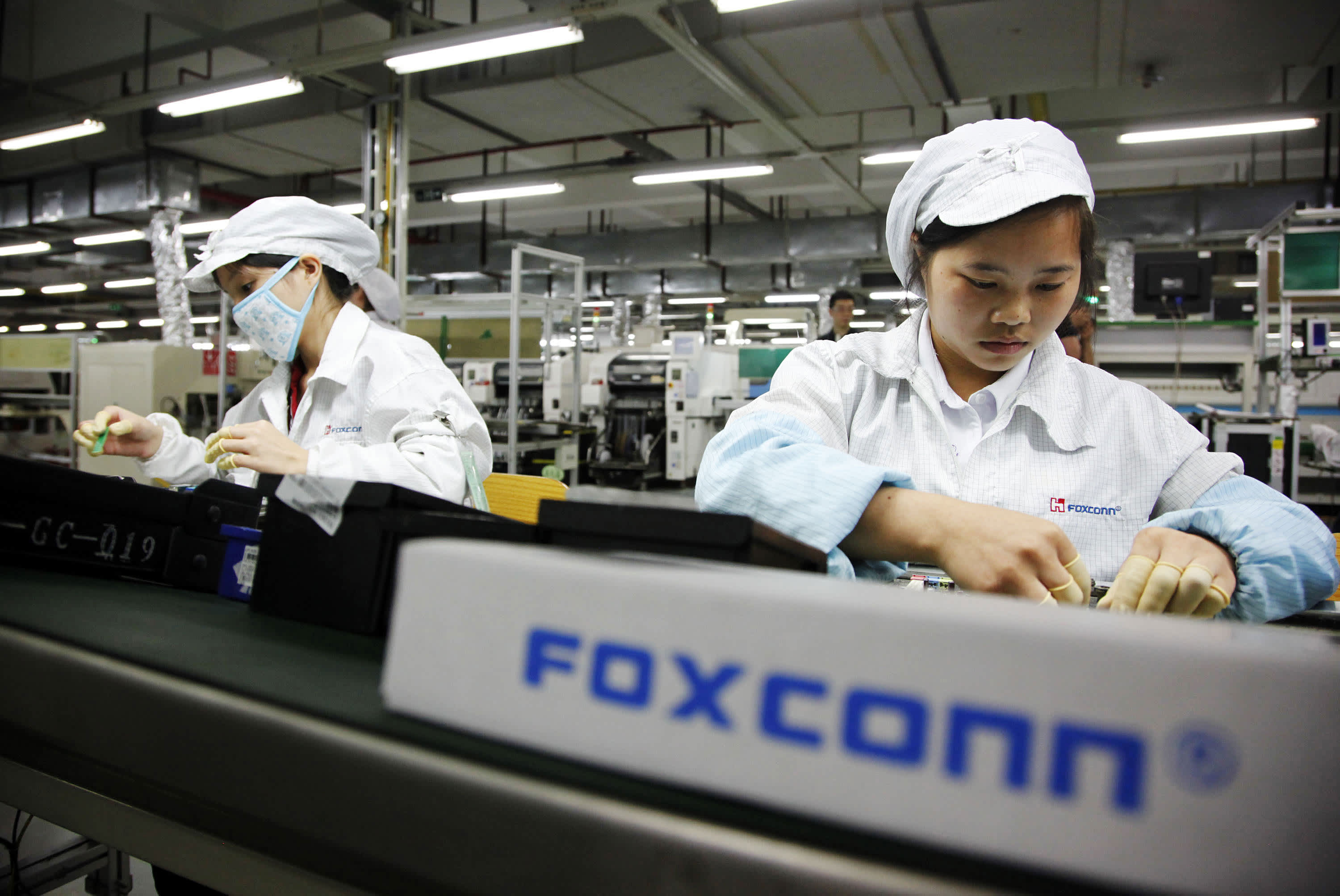 Foxconn investigating labor conditions at China factory used for ...