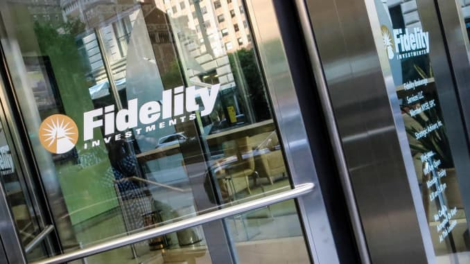 CNBC: Fidelity Investments signage