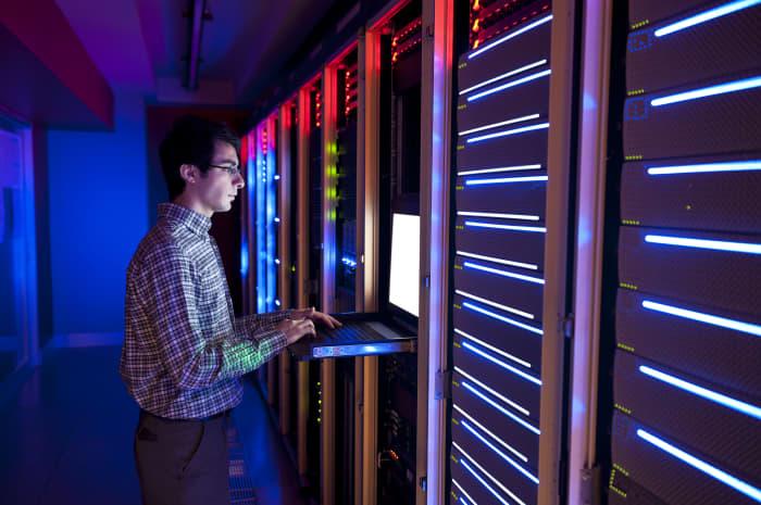 premium: IT worker at servers