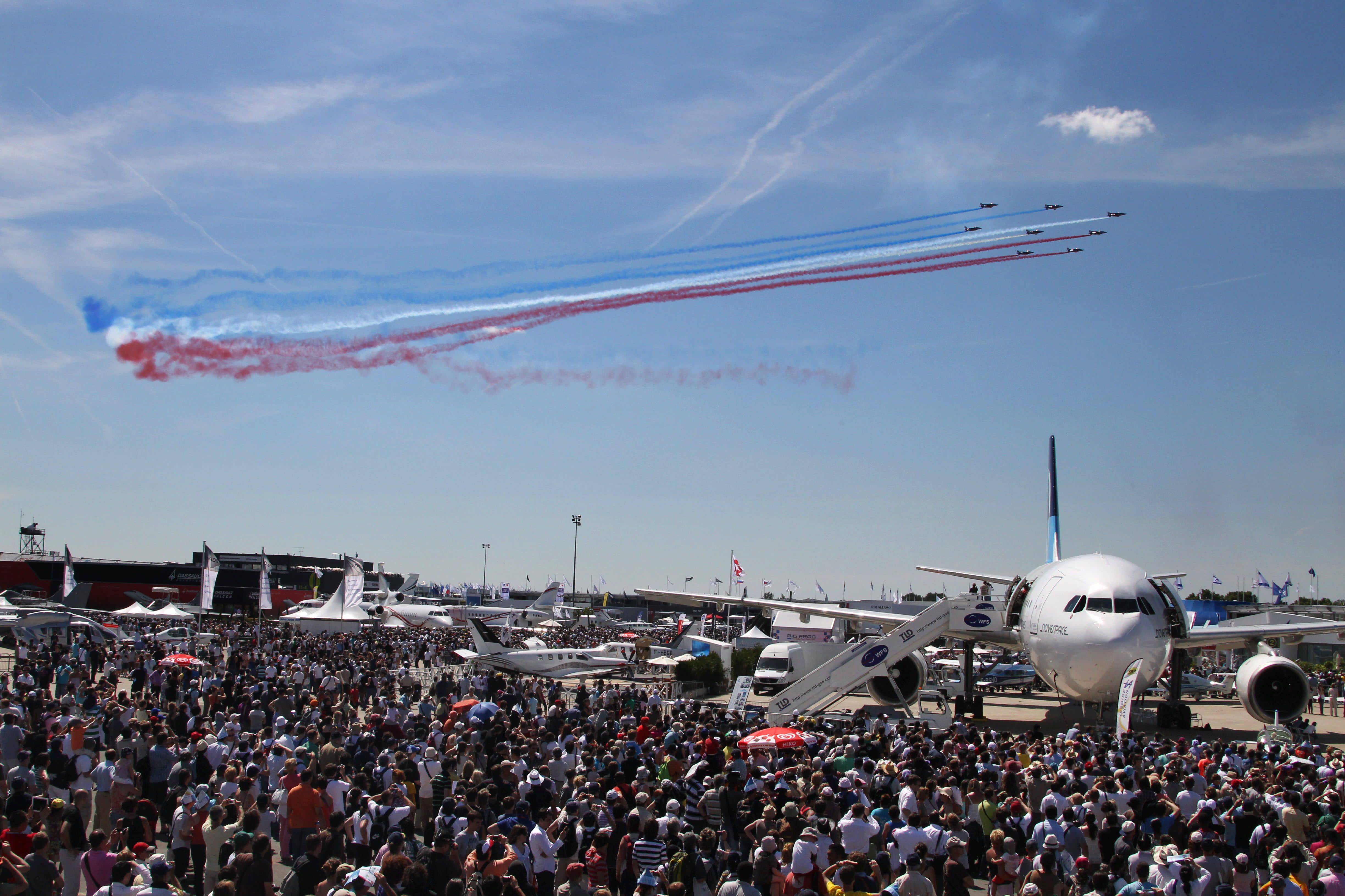 Here's who bought what at this year's Paris Air Show thumbnail