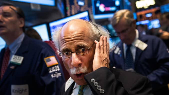 Reusable: New York Stock Exchange traders in panic excited markets