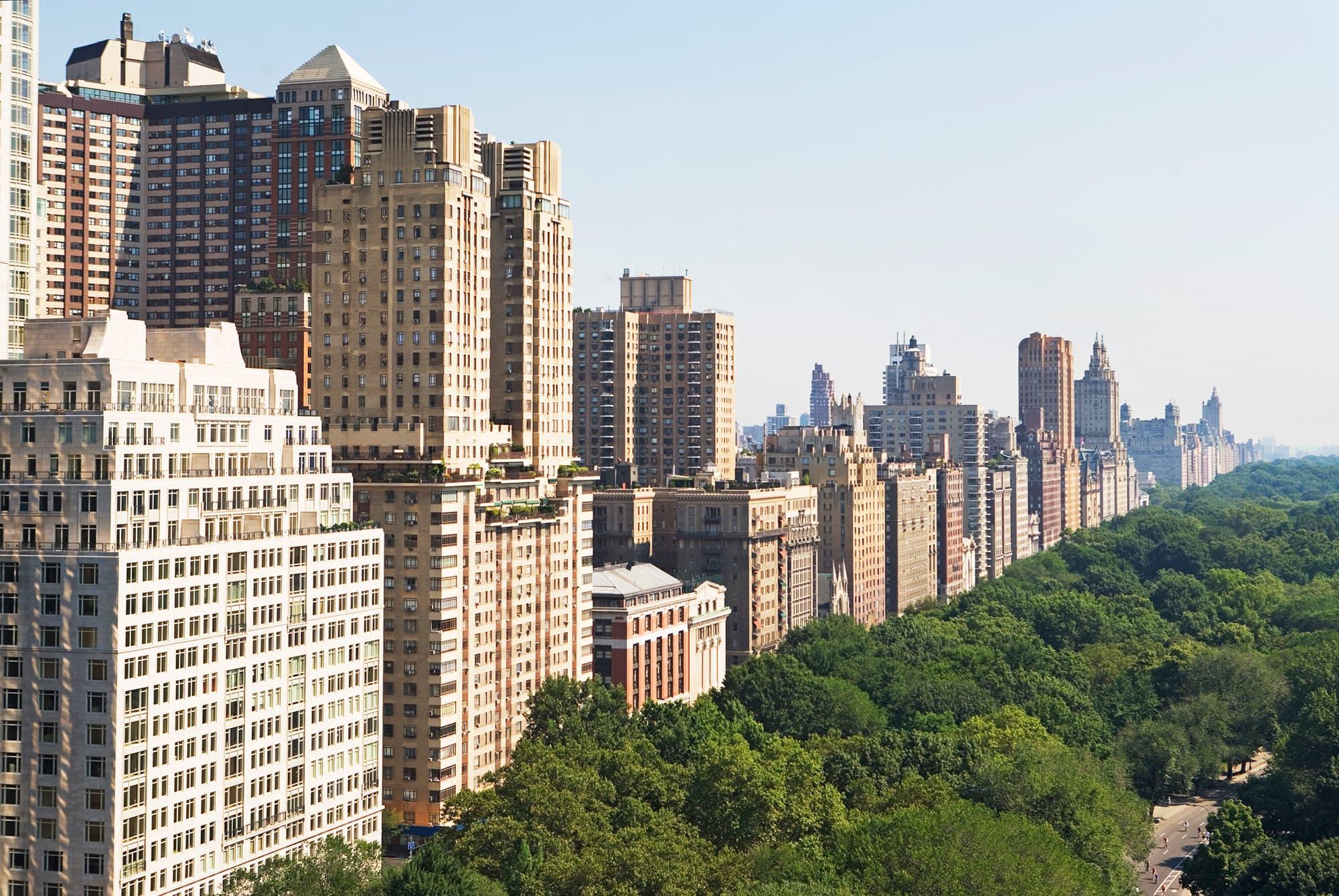 Manhattan real estate sales fall for sixth straight quarter — longest losing streak in 30 years