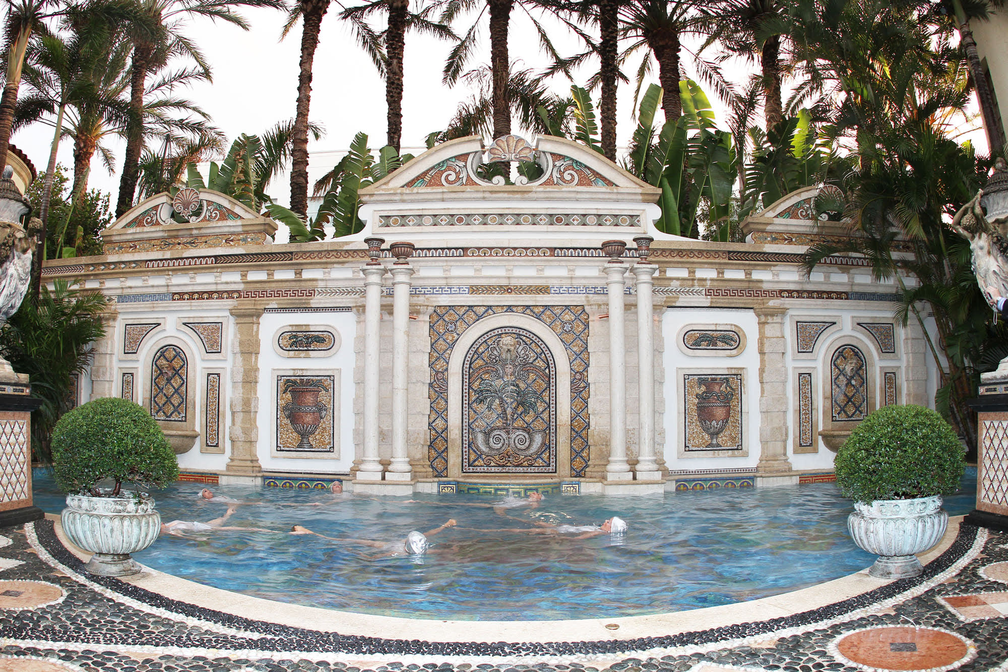 Versace Mansion Sells For 41 5 Million