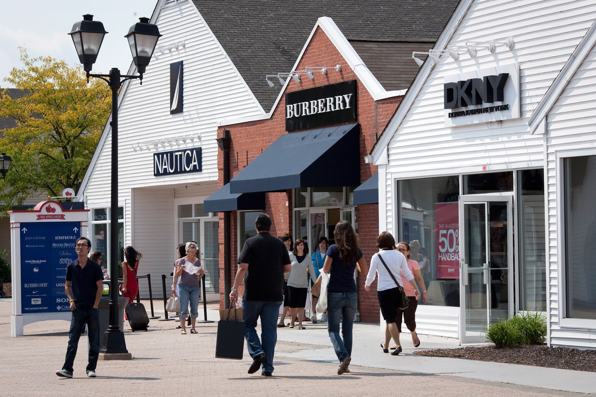 Outlet malls' popularity could spell their demise