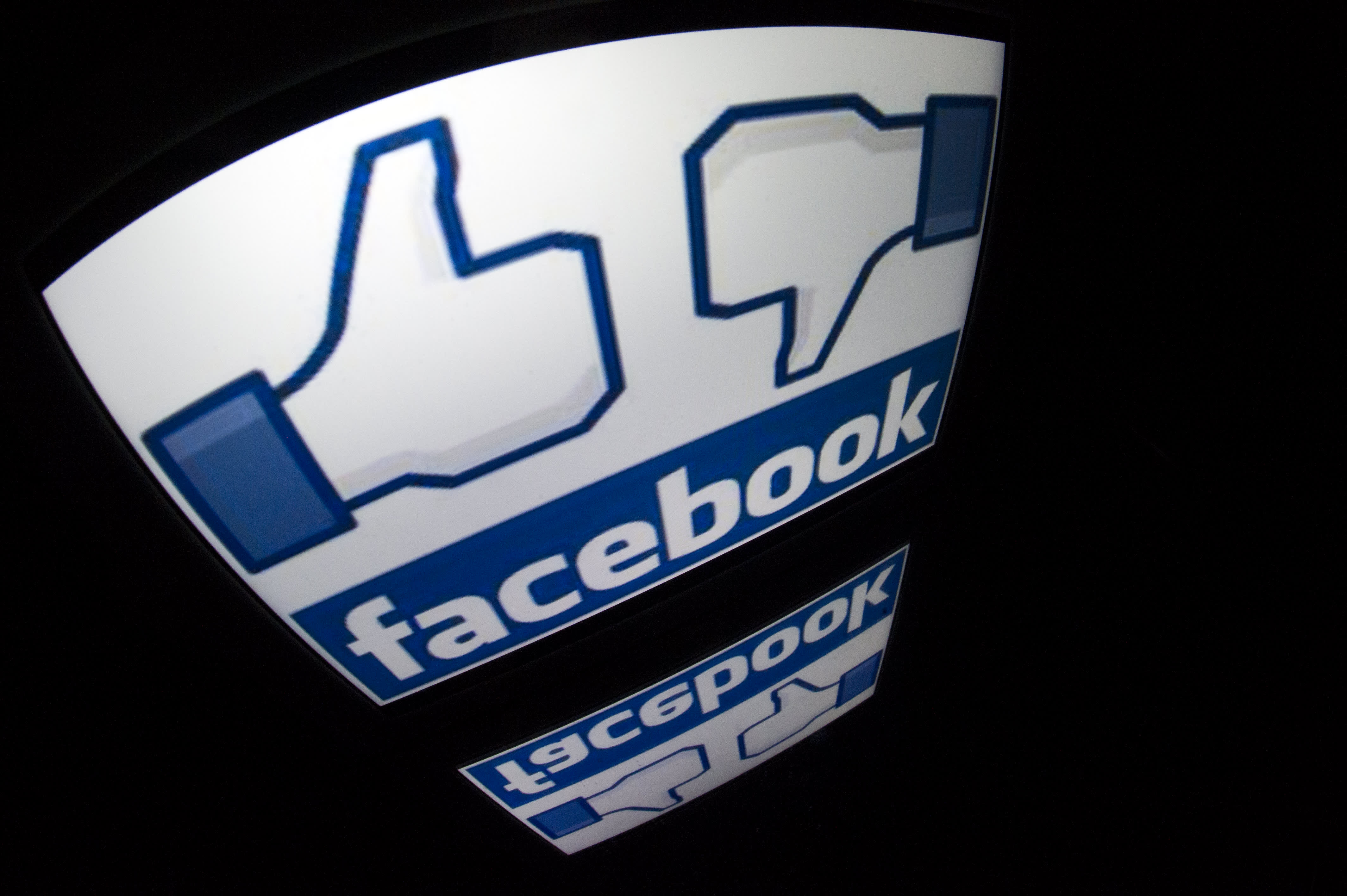 Facebook considers hiding 'like' counts