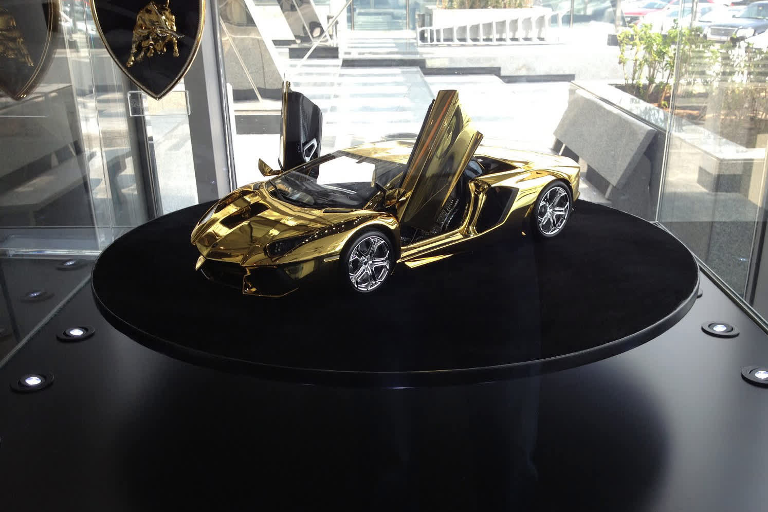 Gold Lamborghini Yours For 7 5 Million