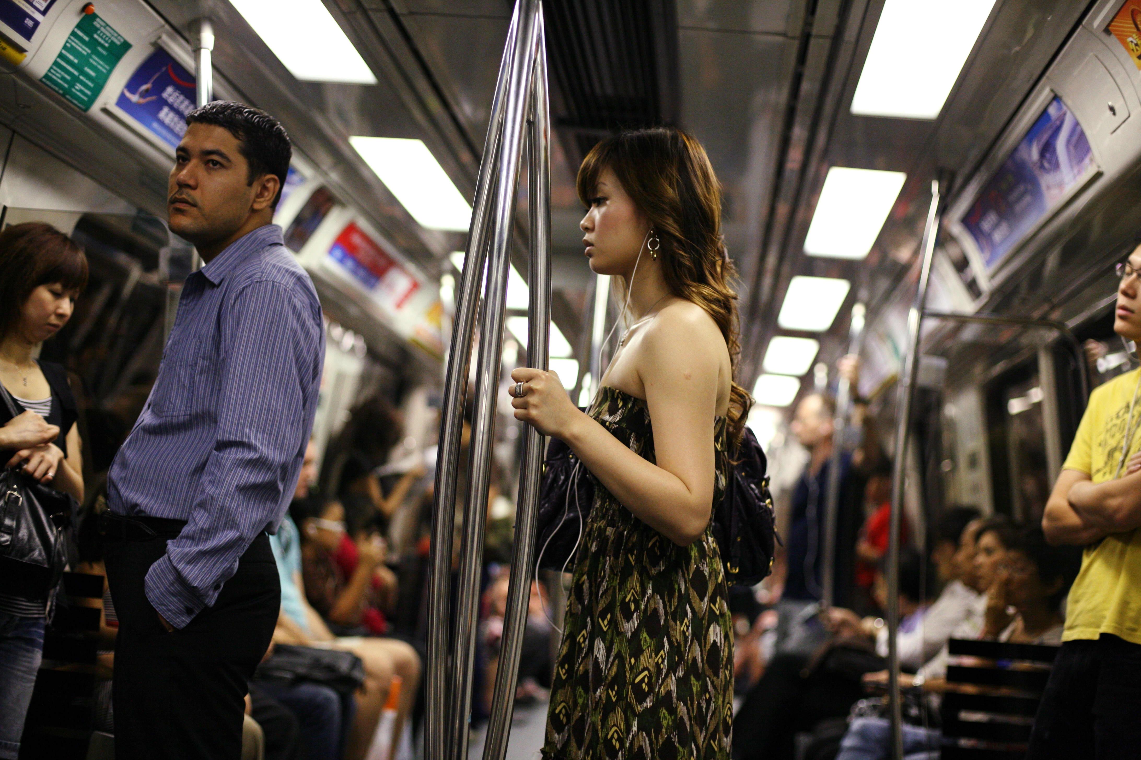 British Banker Stirs Up Storm By Mocking Singapore S Poor