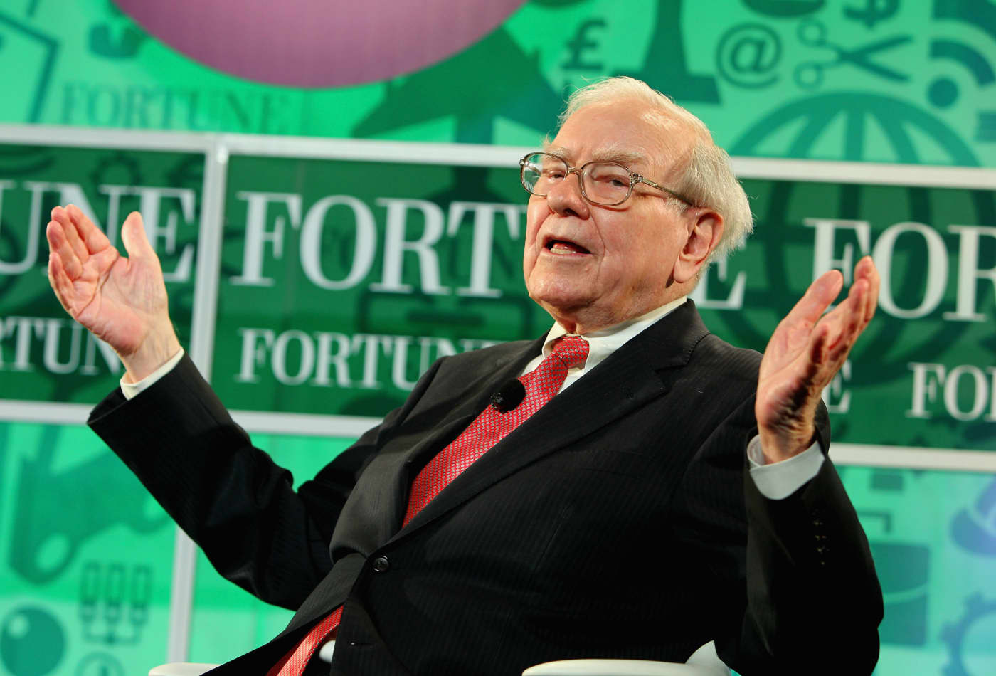 Buffett has a 'simple' test for making tough decisions—here's how it works 101418608-184769363