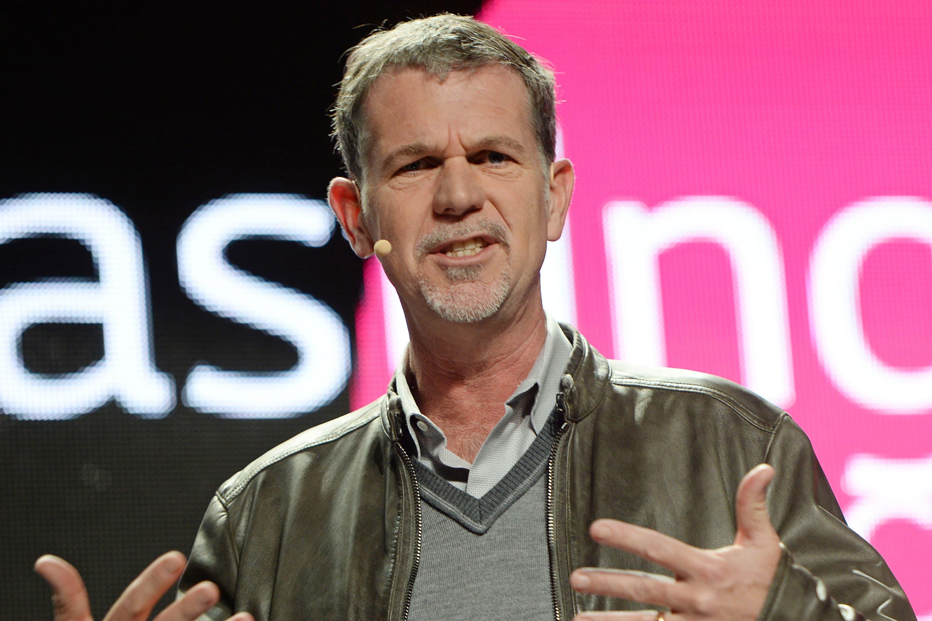Netflix shares fall after earnings miss weak subscriber guidance for third quarter – CNBC