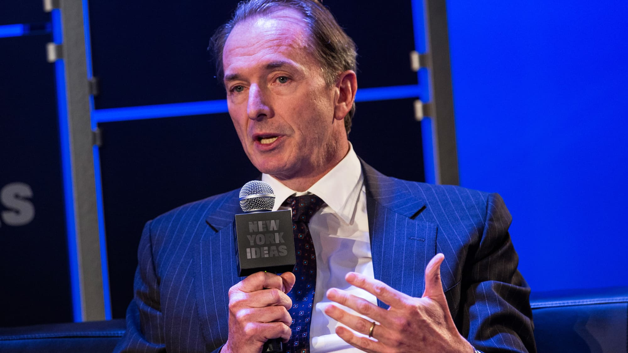 Morgan Stanley eyes compensation cuts for financial advisers