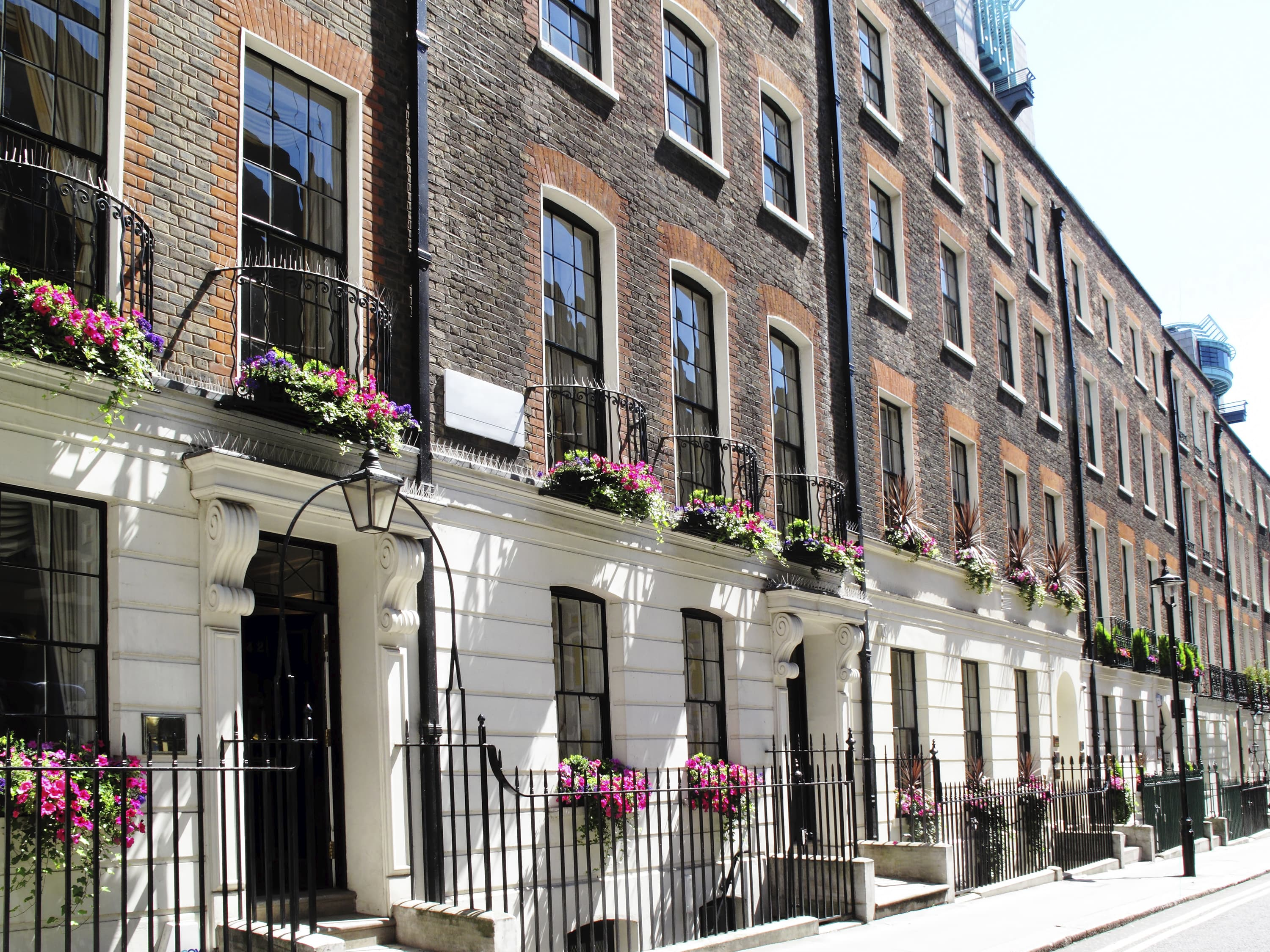 Buyer interest in UK house market grows for first time since 2016