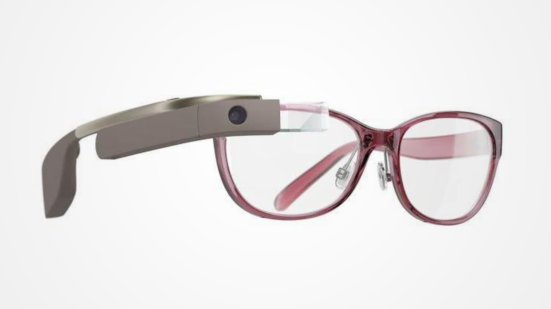Google partners with Diane Von Furstenberg to offer fashionable DVF Google Glass.