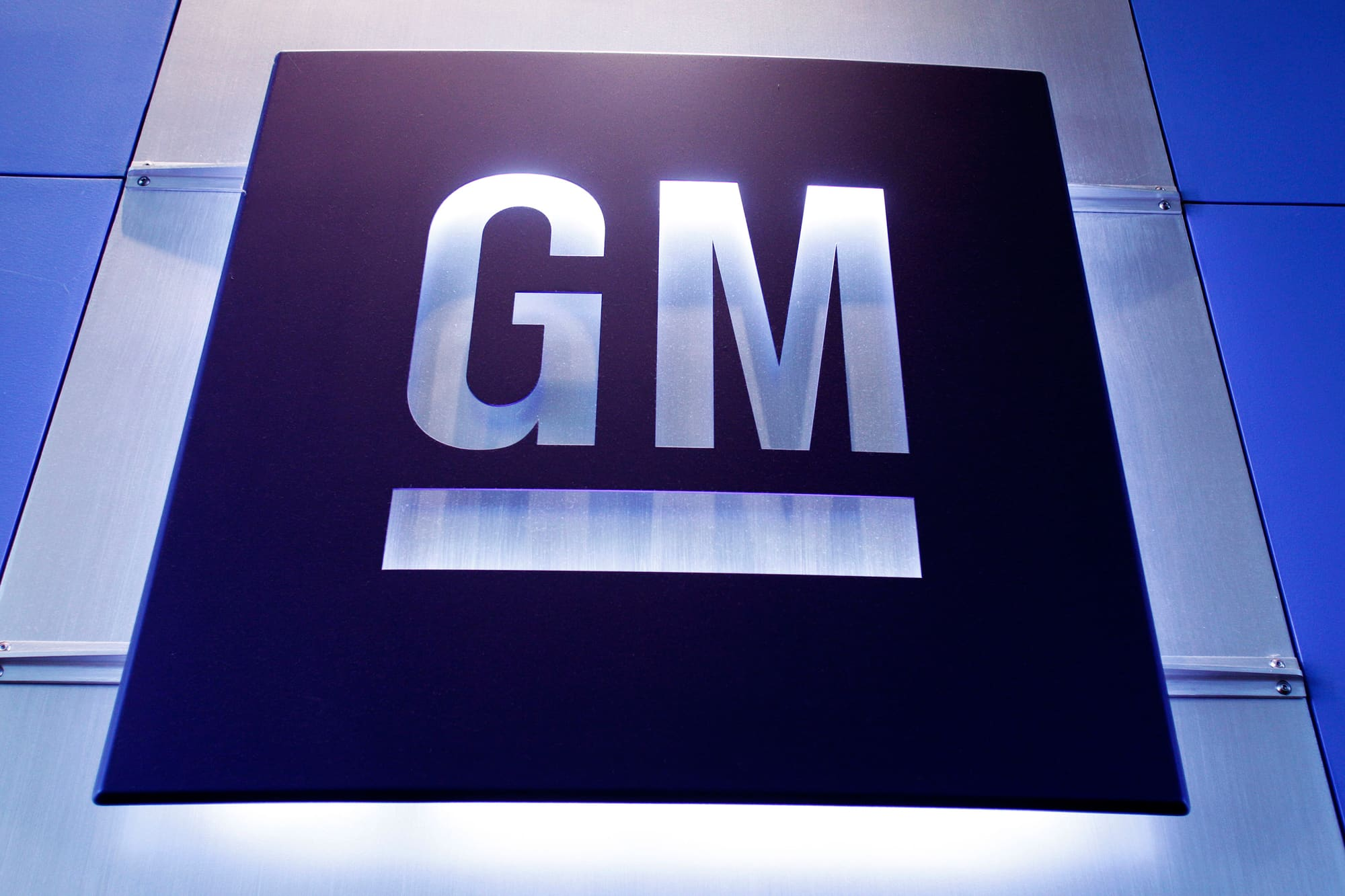 GM to invest $1 billion in Mexico for electric vehicle production angering UAW members – CNBC
