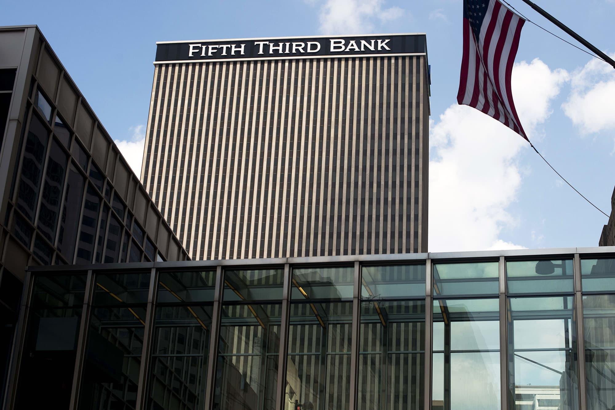 Wells Fargo Fifth Third Bancorp Unveil Minimum Wage Hikes After Tax Bill Passage