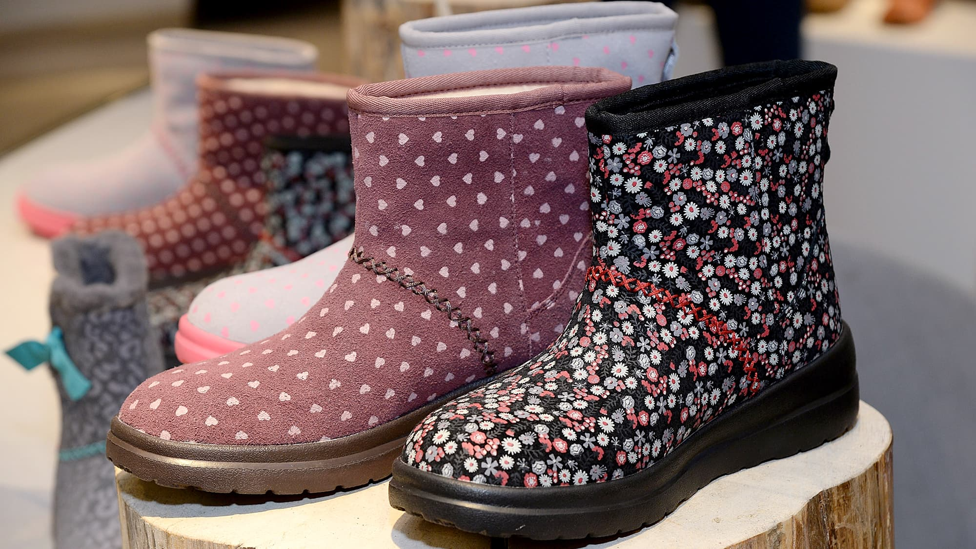 b437b475774 Buy UGGs-maker Deckers on weather, says Telsey