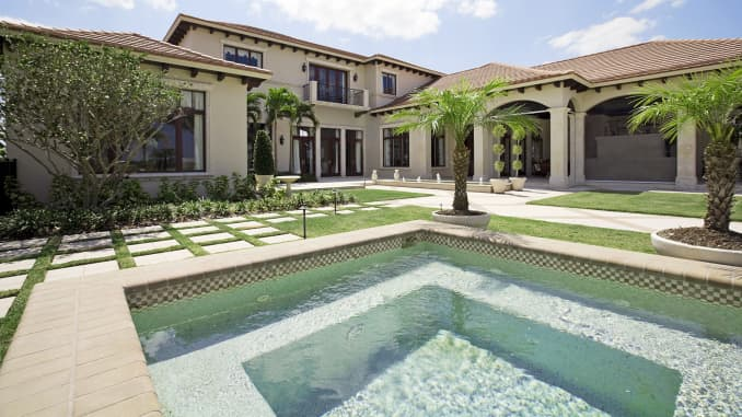 Luxury home sales see biggest slump in nearly a decade