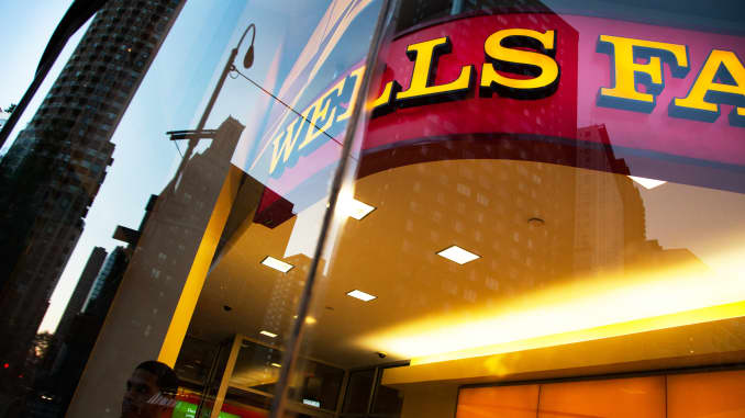 Wells Fargo puts a ceiling on subprime auto loans