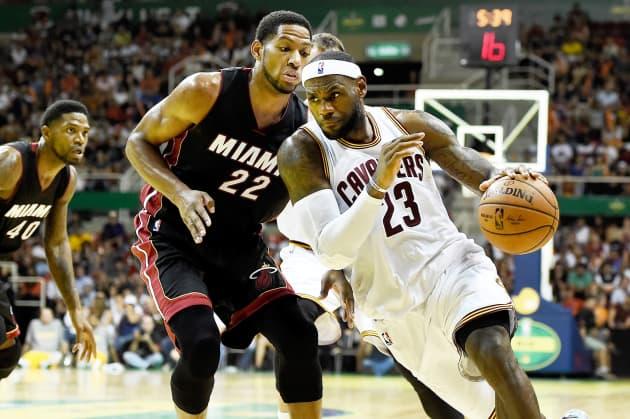 online retailer f7eea 3d288 Reusable  LeBron James Cleveland Cavaliers vs Heat Brazil