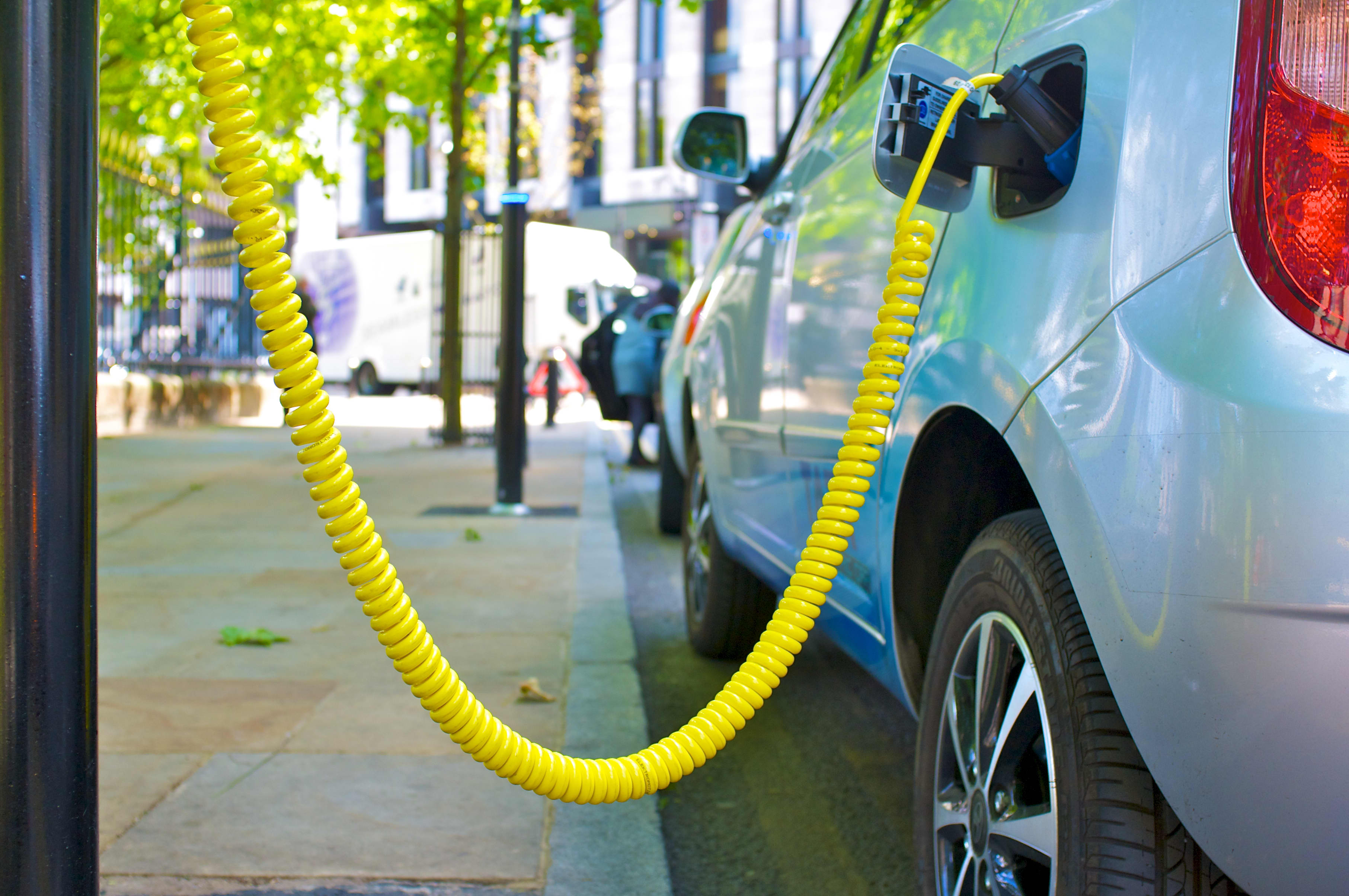 As electric vehicle sales surge discussions are now turning to noise and safety – CNBC