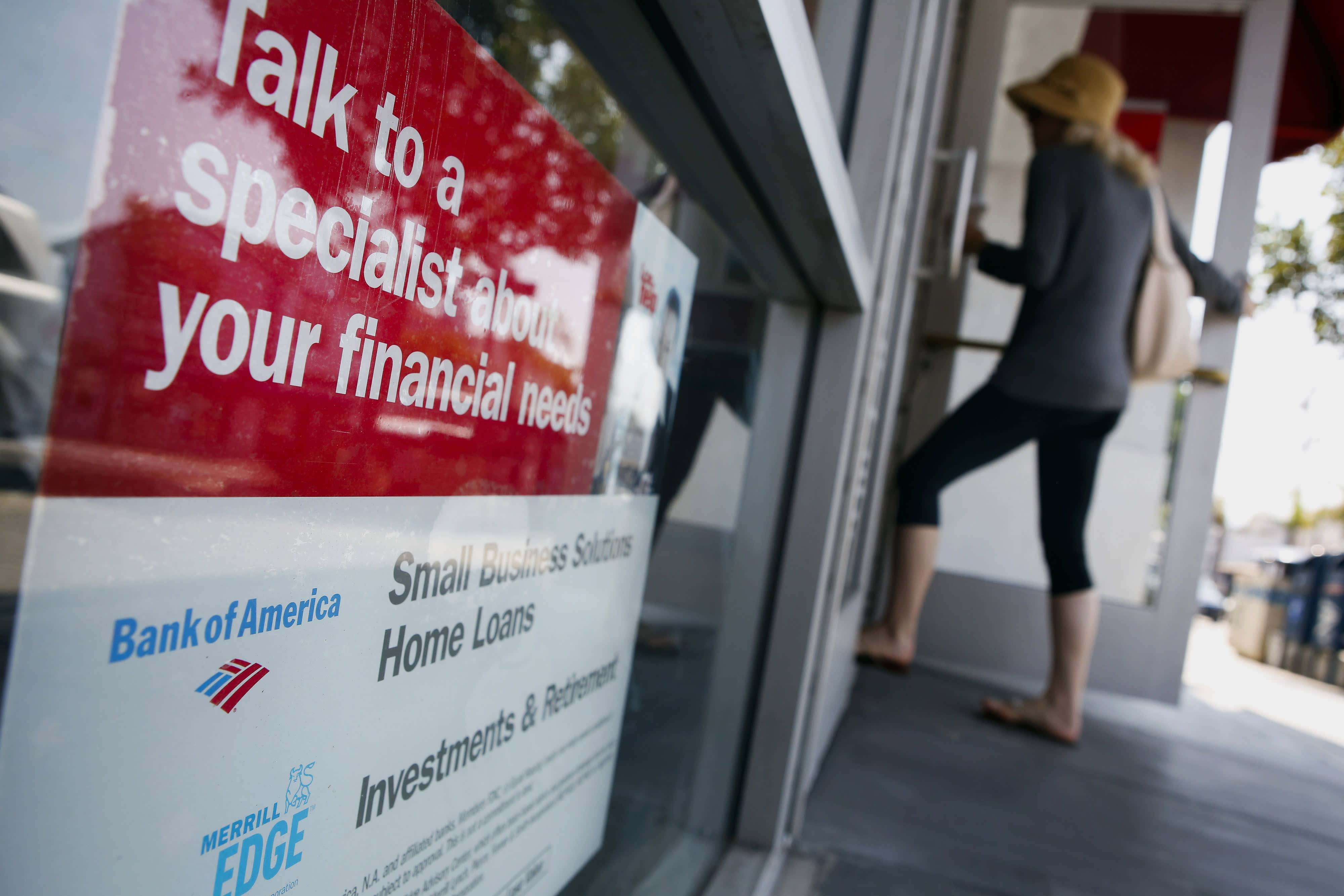 Mortgage refinances spike 12% on a big rate drop, but homebuyers pull back again