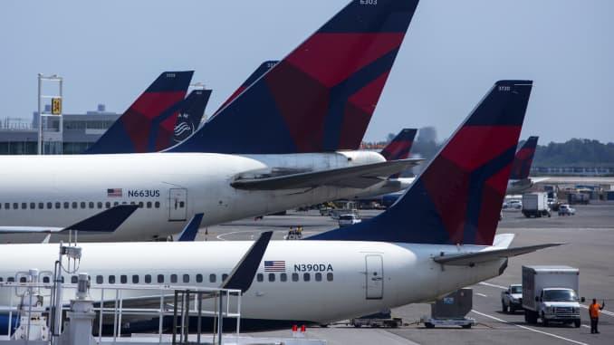 Delta overhauls flight classes, beefs up first class