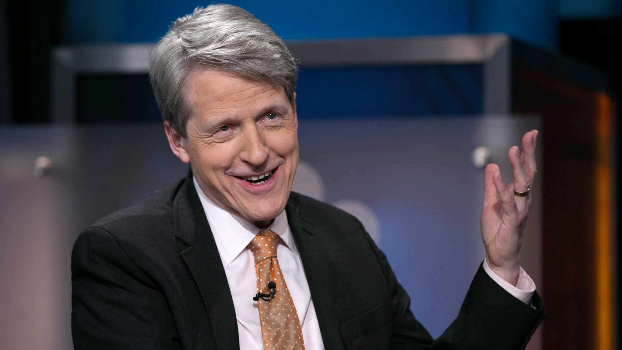 Nobel-winning economist says forget yield curves— this may be what really fuels a recession