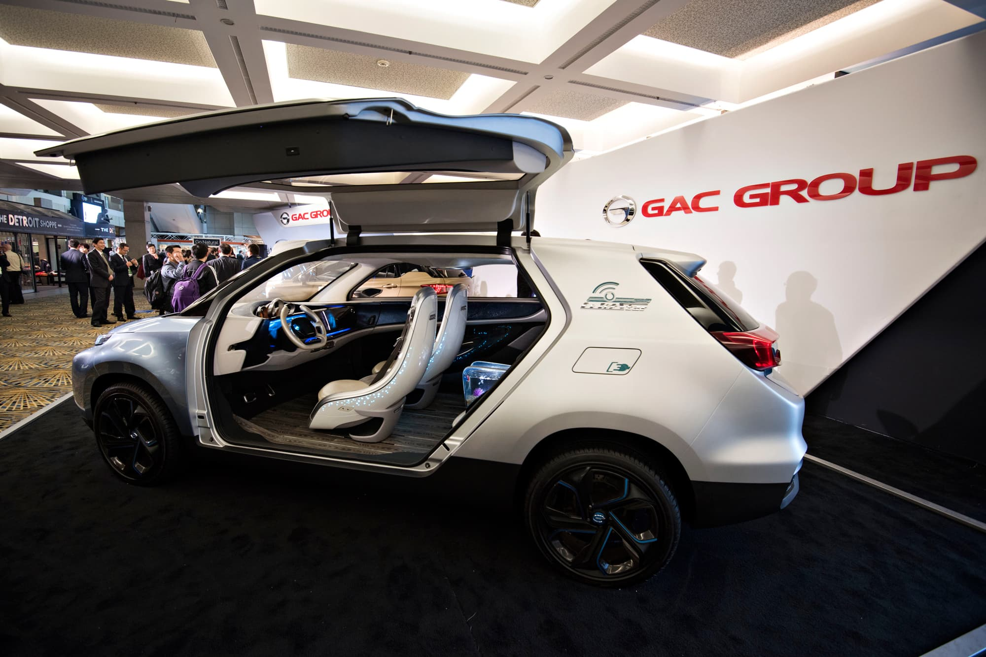 Chinese auto executive identifies what's holding back self-driving cars
