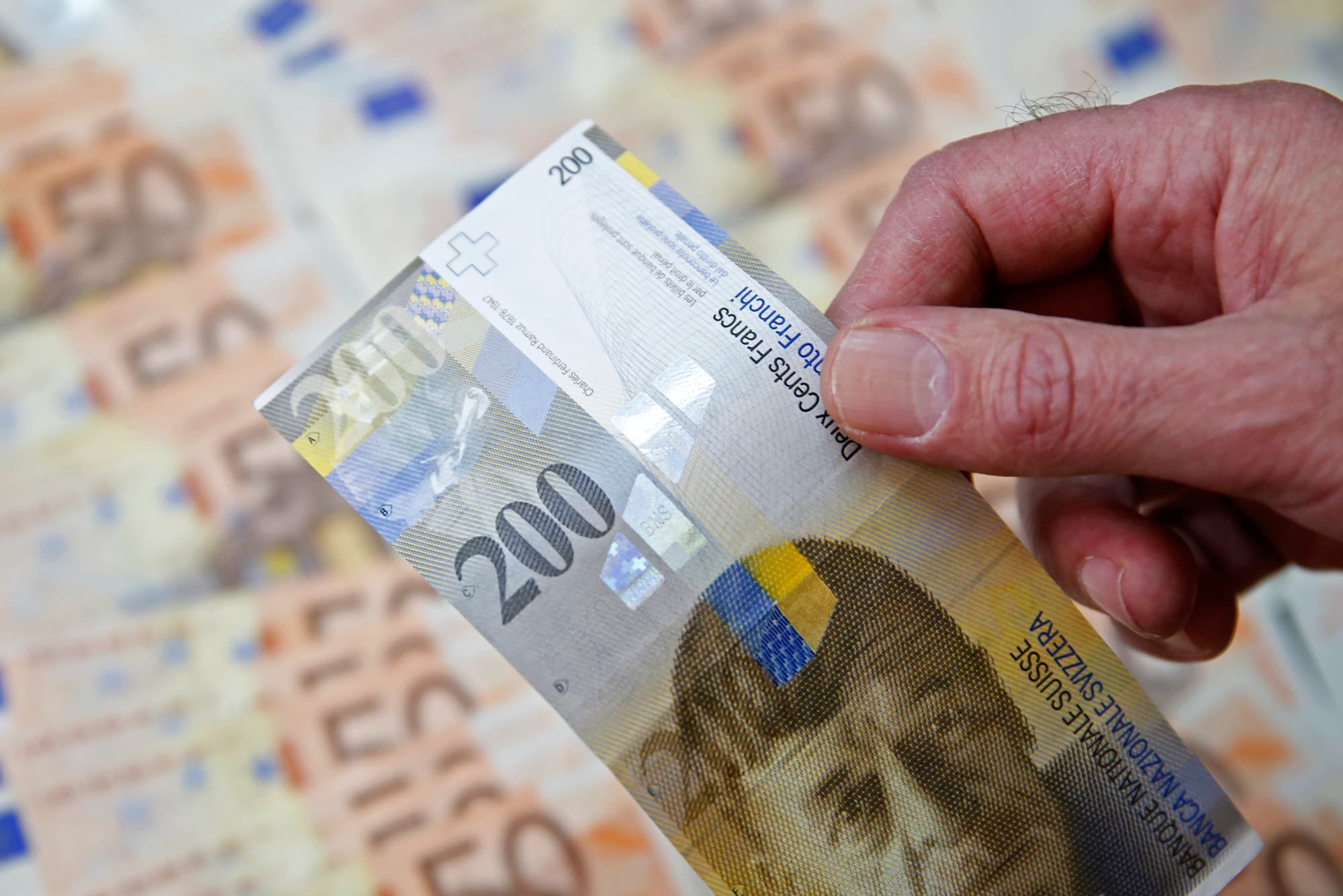 Switzerland Is Not Maniting Its Currency Official