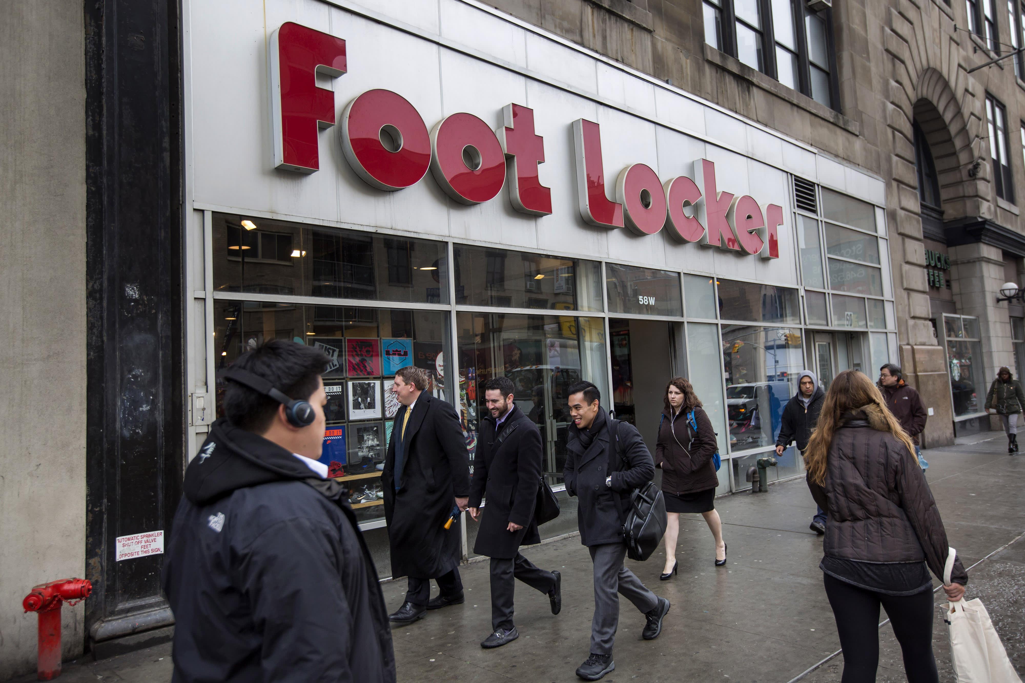 185f961251 Nike too expensive? Analyst says buy Foot Locker instead