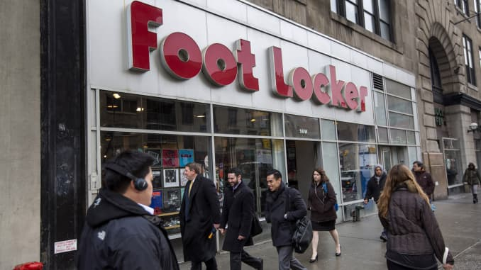 Nike too expensive? Analyst says buy Foot Locker instead