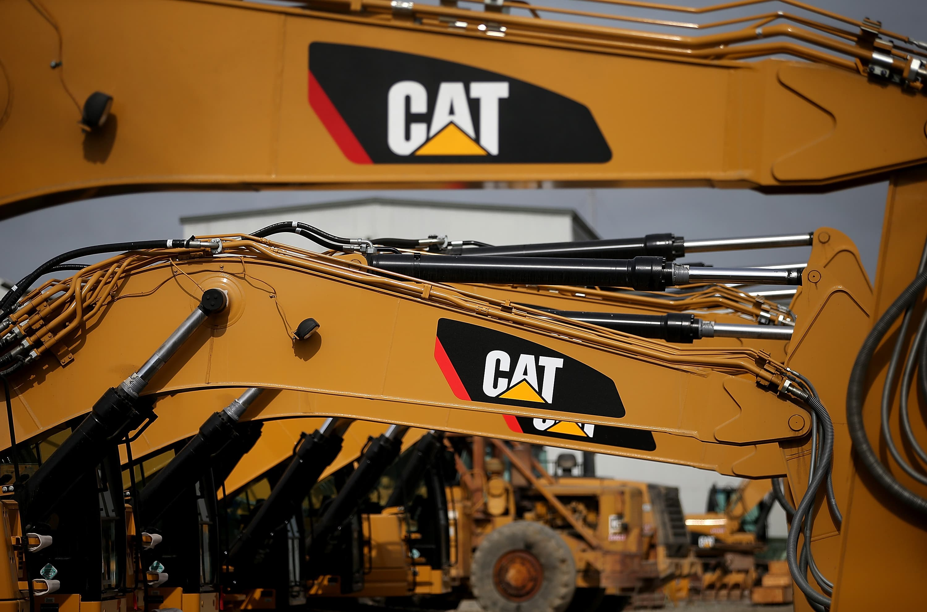 Caterpillar is 'really, really cheap,' but two traders warn that it may not be a good buy