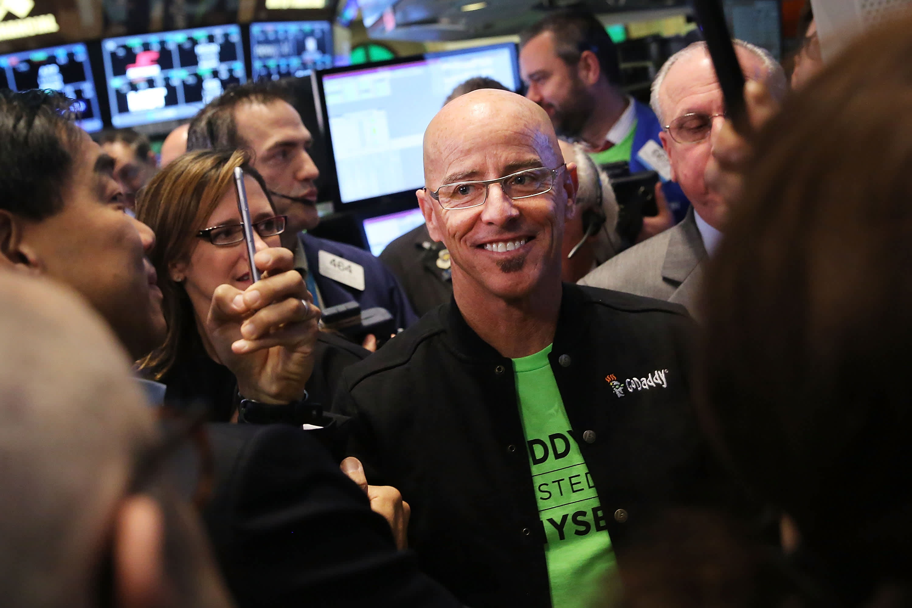 GoDaddy CEO Blake Irving to retire on December 31