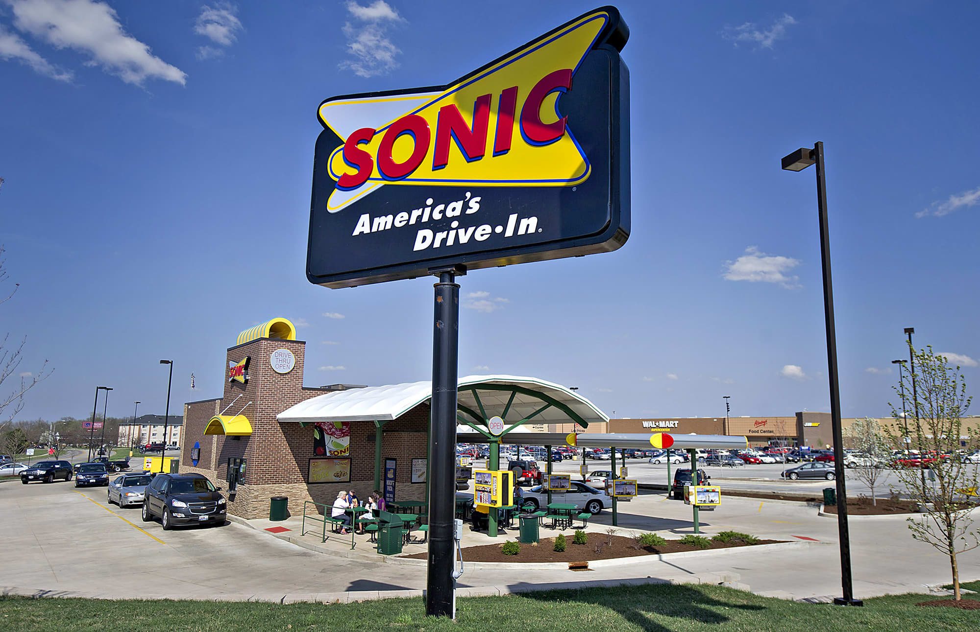 Sonic Hours Near Me >> Sonic To Be Acquired By Arby S Parent Company In 2 3