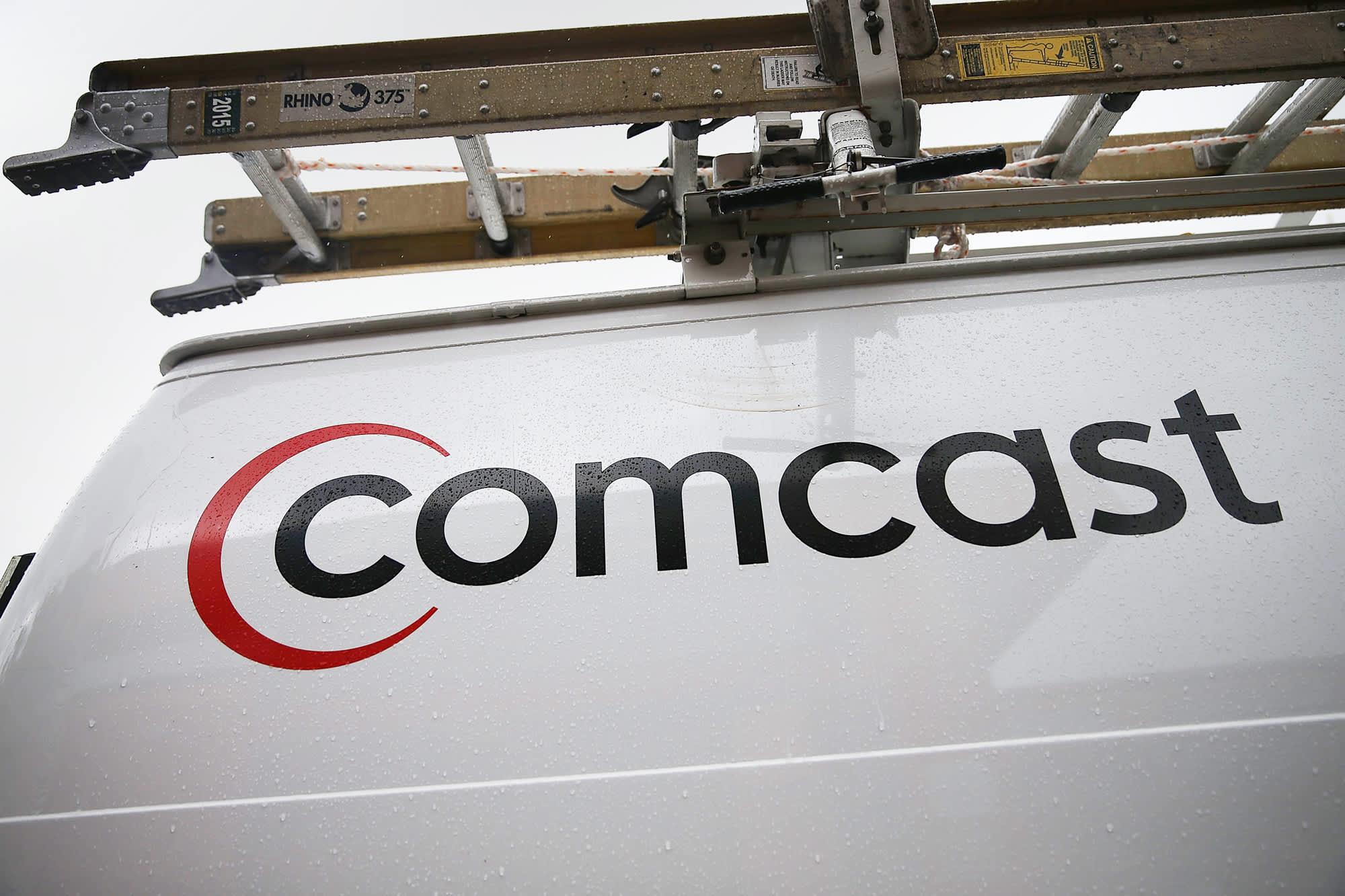 Comcast Sells Its Own Cord-Cutting Service — Which Requires