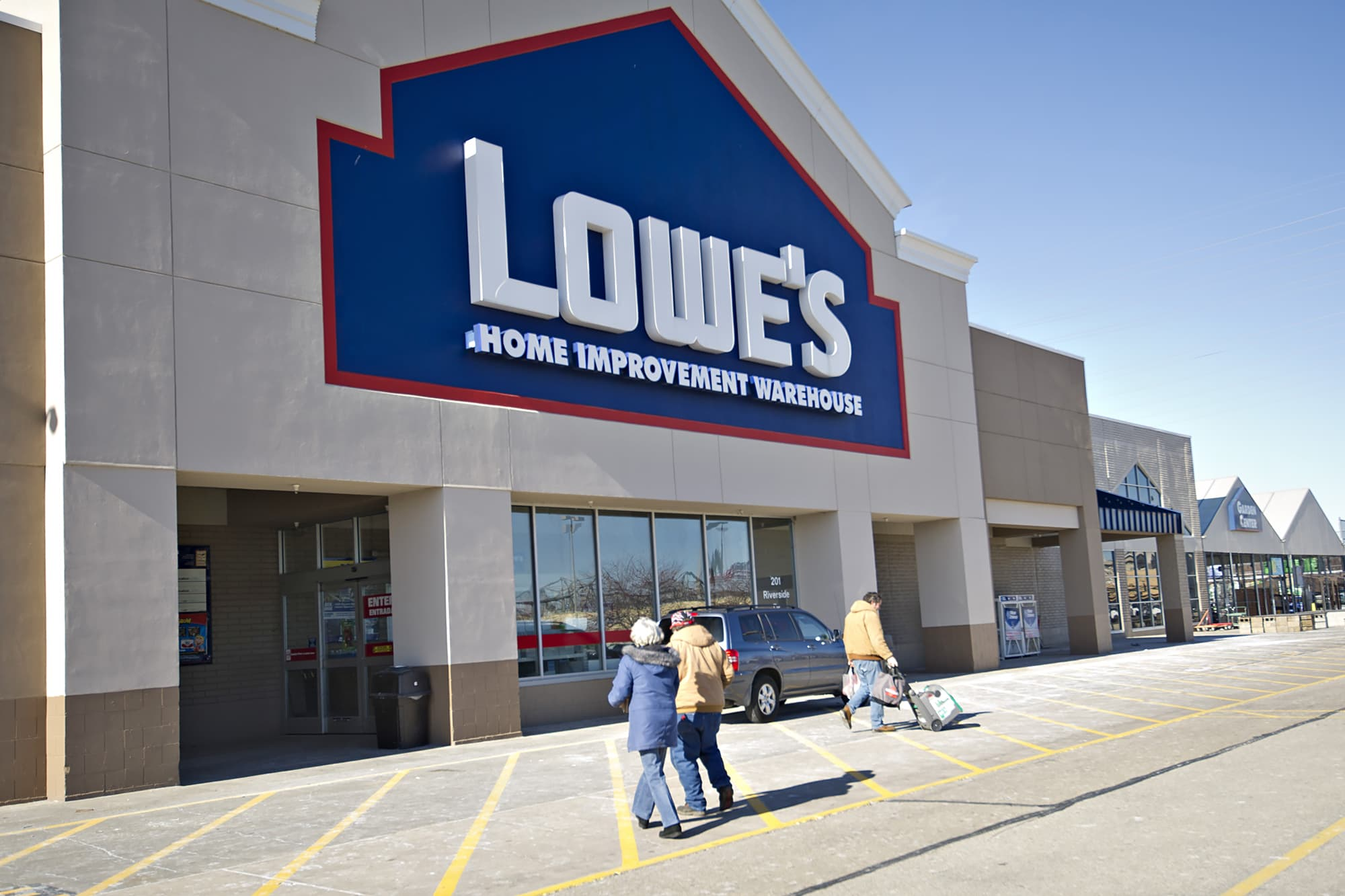 Lowe's funds $25 million in grants to help minority businesses reopen