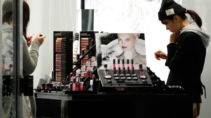 YouTube rolls out augmented reality for viewers to virtually try on makeup