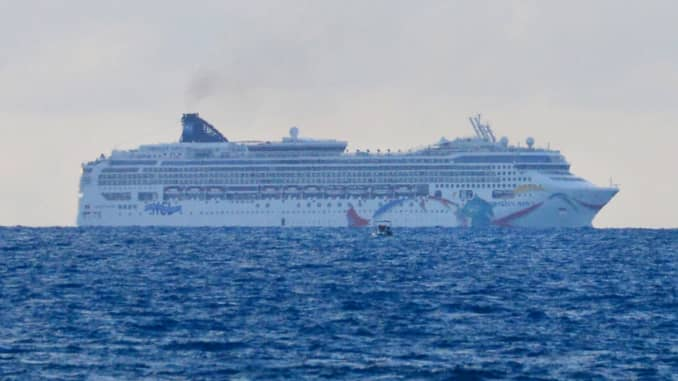 Norwegian Cruise Ship Runs Aground In Bermuda