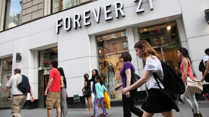 CNBC: Forever 21 store pedestrians