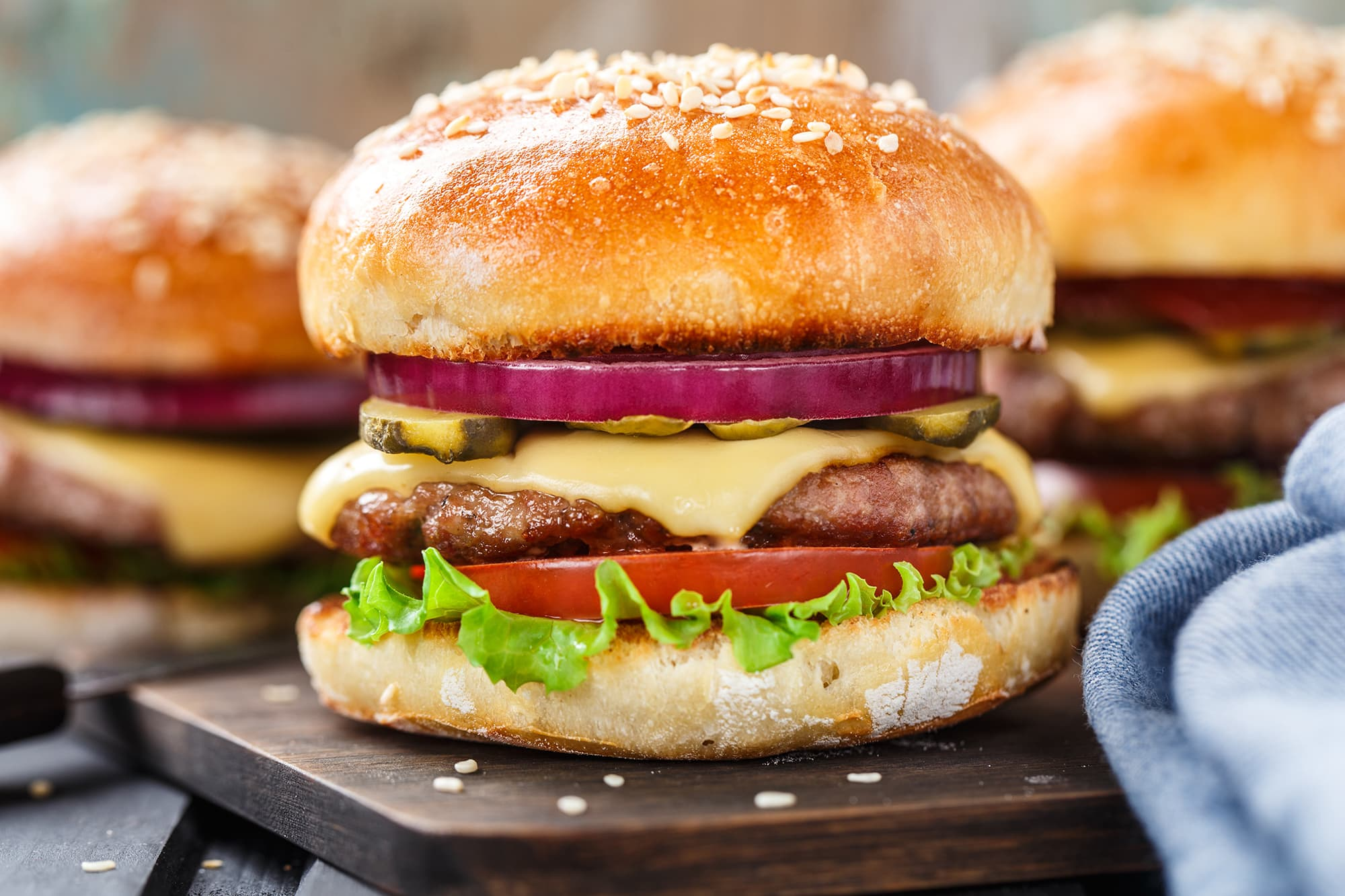 Consumer groups rate fast-food chains on their use of beef produced with antibiotics