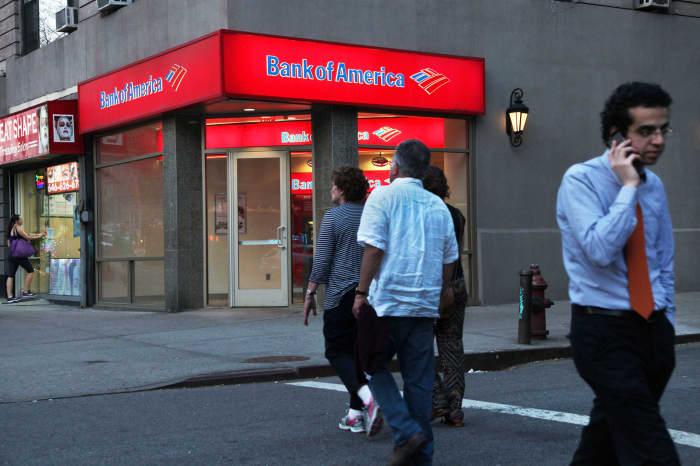 CNBC: Bank of America branch pedestrians 2
