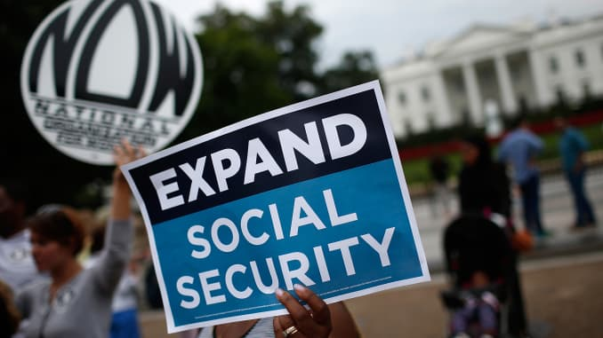 GP: Expand Social Security protester Whitehouse 150713