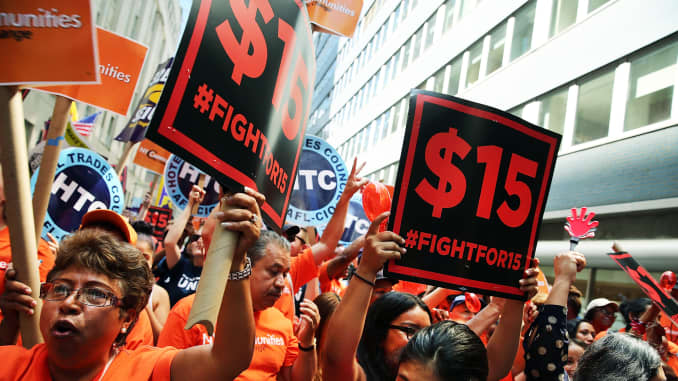 GS: Workers rally for $15 minimum wage New York 150722