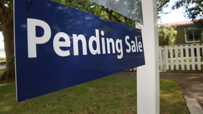 GP: Pending home sales sign Miami 150821