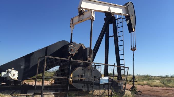 Oil slump could get much worse amid oversupply concerns