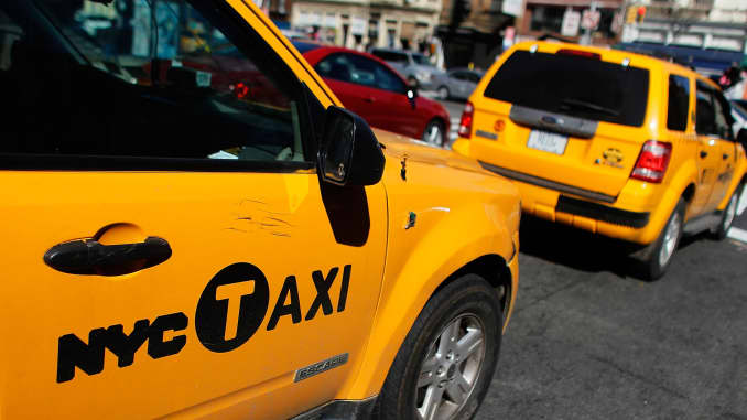 Delinquencies rise for NYC taxi medallion loans: Lender